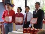 Zertifikatsvergabe durch Prof. Xing Laitian